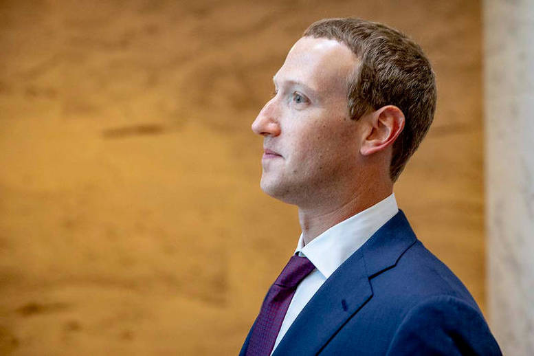 Mark Zuckerberg Holds Secretive Dinners with Influential Conservatives
