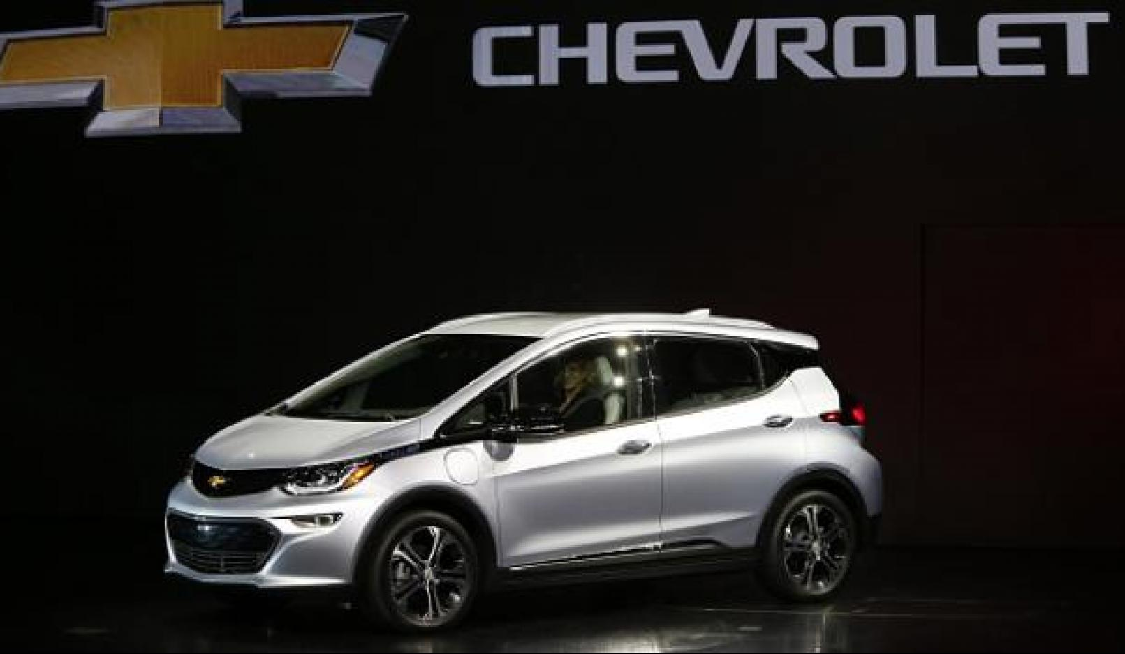 General motors aims to release 20 electric cars over the for General motors electric car