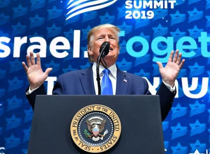 Trump Baffles Jewish Audience with Anti-Semitic Speech