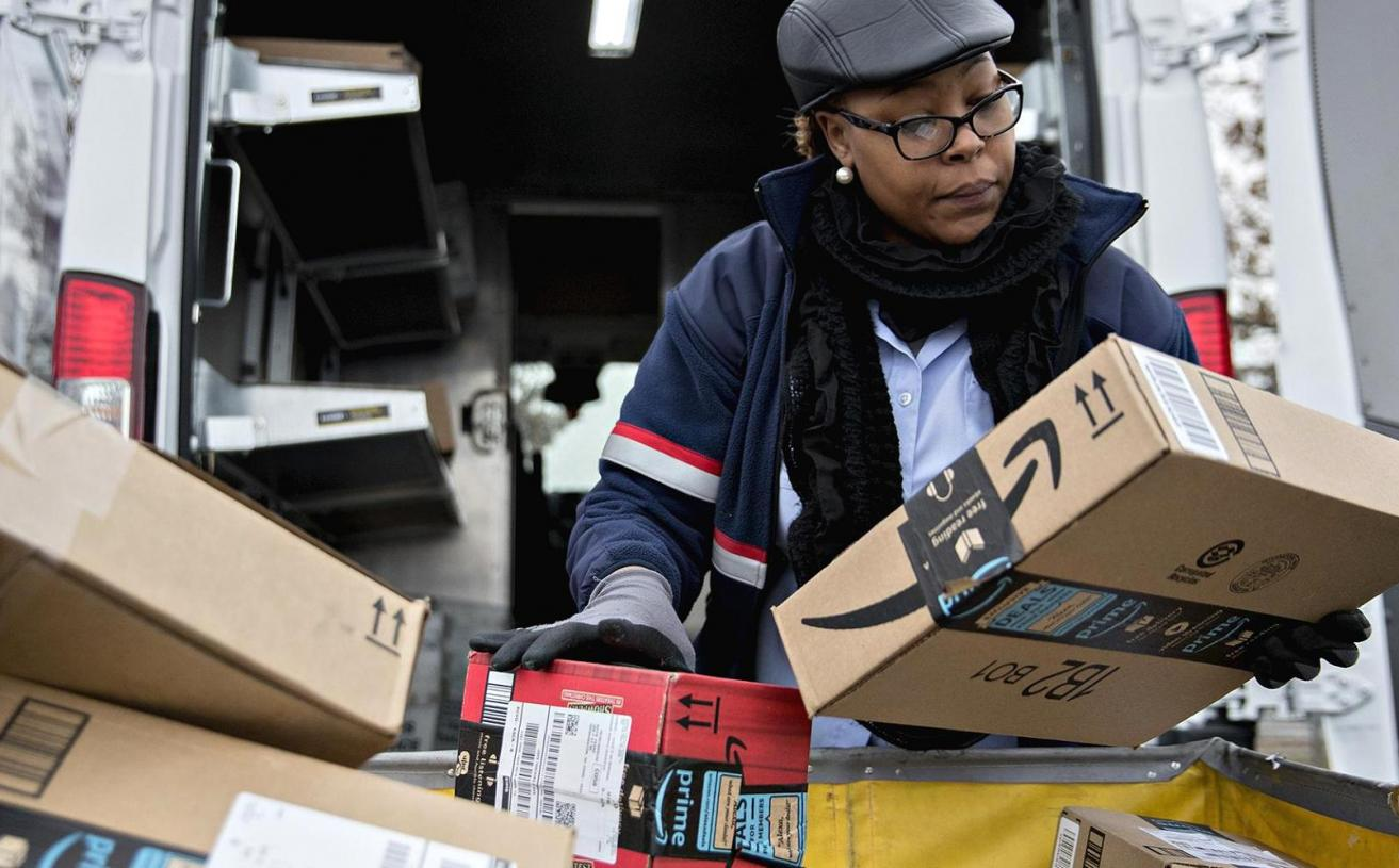 Trump Proposes Postal Rate Hike That Will Raise Amazon's Shipping Costs