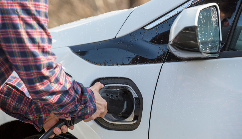 How to Save $7,500 When Buying a New Plug-In Vehicle