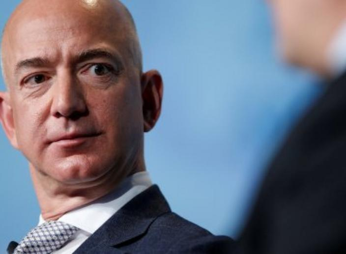Amazon CEO Jeff Bezos Claims the National Enquirer Tried to Extort Him Over Naked Photos