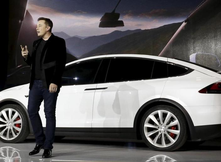 Elon Musk Wants to Build a Pickup Truck After Model Y