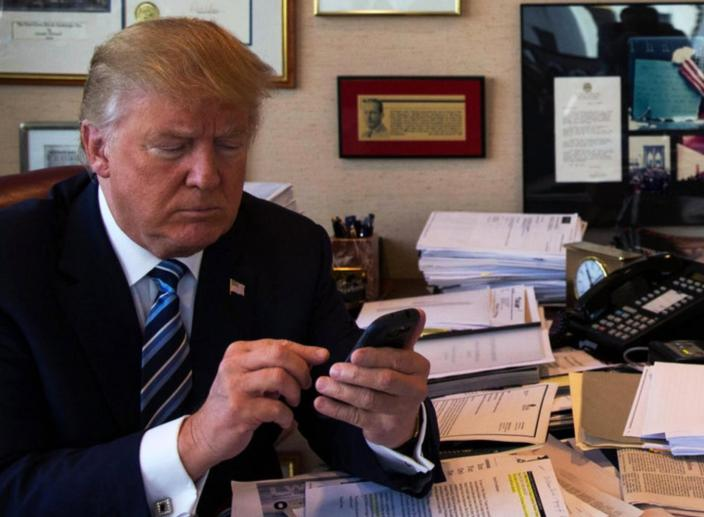 White House Wants to Ban Cell Phones for Employees and Visitors